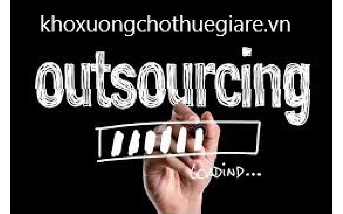 Outsourcing Là Gì? Thuận lợi và khó khăn của Outsourcing là như thế nào?