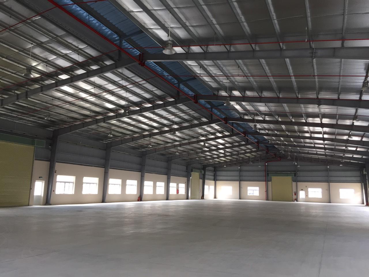 Hàng hot, cho thuê kho xưởng tại q7, 1800m với giá tốt.
